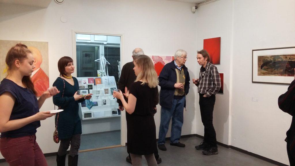 Neljä huonetta väristä -näyttelyn avajaiset